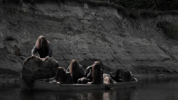 Попа Софи Марсо – Белфегор – Призрак Лувра (2001)